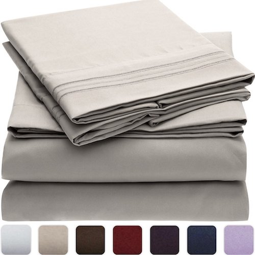 3. Mellanni Bed Sheet Set - Brushed Microfiber 1800 Bedding