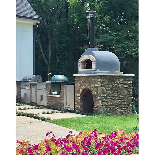 Best Outdoor Pizza Ovens 5. Outdoor Pizza Oven, Wood Fired, Insulated, w/ Brick Arch & Chimney by PRC