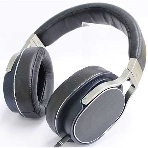 9. Oppo PM-3 Closed-Back Planar Magnetic Headphones